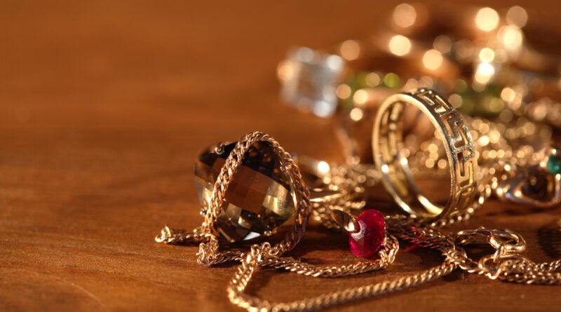 Co to jest biżuteria złocona?
