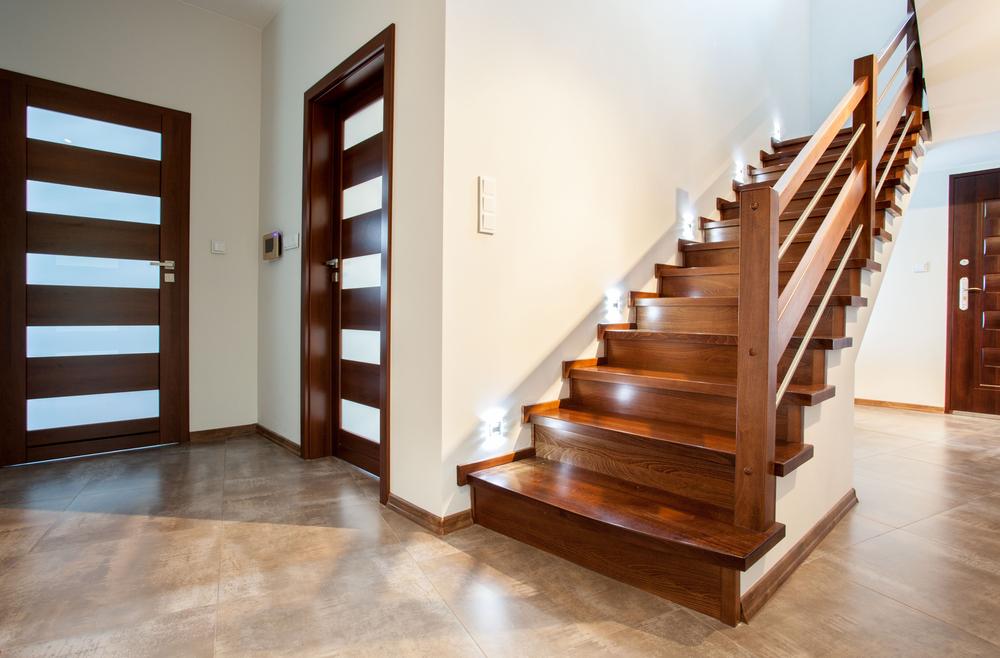 Schody metalowe czy drewniane?